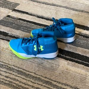 Girls Under Armour Basketball Shoes
